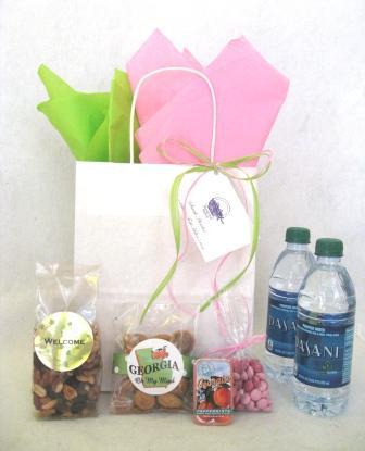 Wedding Welcome Gift Basket Ideas : Sensational Wedding Welcome Gift Bag (USD12.50-USD25)